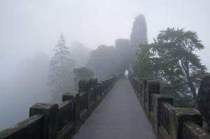 Basteibrücke im Nebel